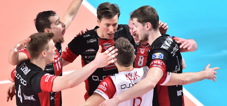 Trudne zwycięstwo Resovii w Katowicach