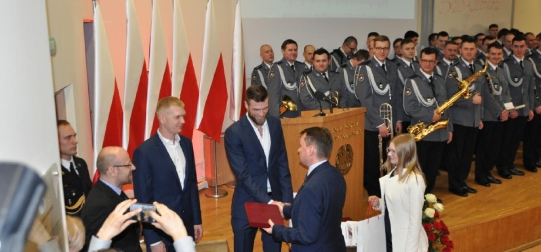 """""""Mazurek Dąbrowskiego"""" od 90 lat hymnem Polski. Siatkarze gośćmi na uroczystościach"""