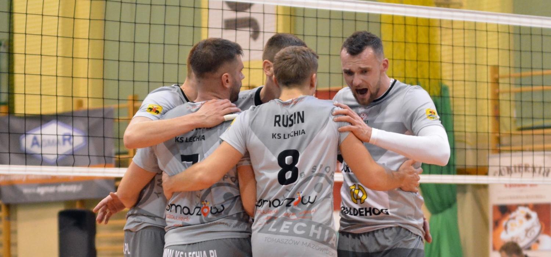 Sobota z 1. Ligą: KS Lechia Tomaszów Mazowiecki - UKS Mickiewicz Kluczbork 3:1