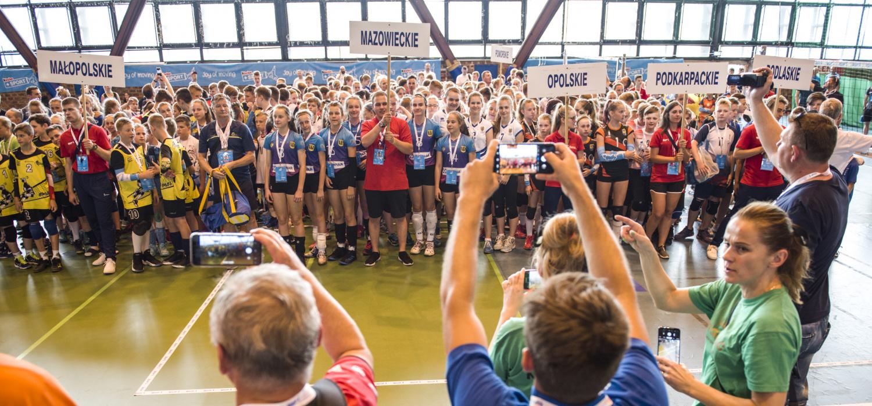 Ceremonia otwarcia Ogólnopolskich Mistrzostw w Minisiatkówce im. Marka Kisiela o Puchar Kinder+Sport