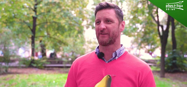 #20latPlusLigi: historia różowego sweterka oraz warzywa i owoce w kadrze