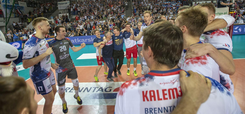 RetroPlusLiga: Kędzierzyn-Koźle tańczy i śpiewa. Ósme mistrzostwo ZAKSY!